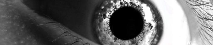 Foto eines bedrohlichen Auges - von Suicine - CC BY
